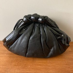 Vintage 80s Clam Shell Leather Purse Clutch